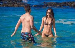 Megan Fox gợi cảm trên bãi biển