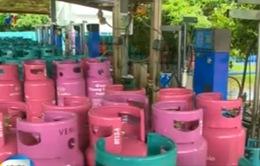 Hà Nội: Bắt quả tang hàng nghìn bình gas sang chiết trái phép