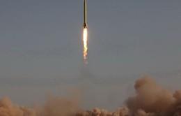 Iran ra mắt tên lửa hành trình đối hạm
