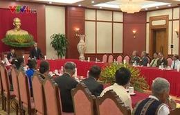Đồng chí Trần Quốc Vượng tiếp đại biểu người có công với cách mạng tỉnh Gia Lai
