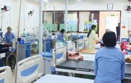 Giảm tải bệnh viện: Cần giải pháp từ tuyến TƯ đến cơ sở