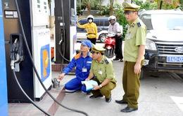 Hơn 230 cơ sở kinh doanh xăng dầu bị phạt tiền vì gian lận