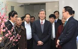 Đồng chí Đinh Thế Huynh thăm và chúc Tết Đài THVN