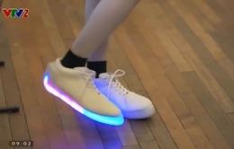 Giày LED thông minh tự động phát sáng khi nhảy