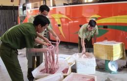 Ninh Bình bắt xe chở 2,5 tấn nội tạng động vật bốc mùi hôi thối