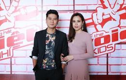 Giọng hát Việt nhí: Hồ Hoài Anh - Lưu Hương Giang dùng kẹo dụ thí sinh
