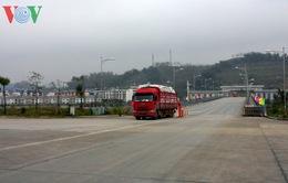 """Cửa khẩu Quốc tế Lào Cai đón chuyến hàng """"xông đất"""" năm mới"""