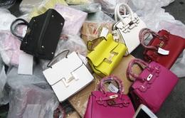 Hà Nội: Bắt giữ cơ sở sản xuất đồ LV, Hermes, Dior… giả