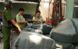 Thu giữ hơn 50.000 sản phẩm thời trang giả nhãn mác tại TP.HCM