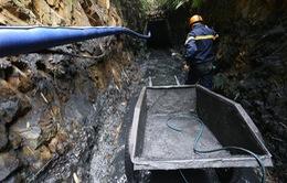 Vẫn chưa tiếp cận được 2 nạn nhân mắc kẹt trong hầm lò bị sập