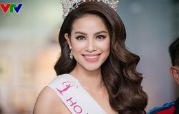 Hoa hậu Phạm Hương thu hút ánh nhìn với vẻ đẹp quyến rũ