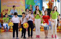 Hoa hậu Hoàn vũ Việt Nam 2015 vui trung thu với hoạt động thiện nguyện