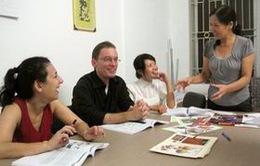 Nâng cao hiệu quả dạy tiếng Việt cho người Việt Nam ở nước ngoài