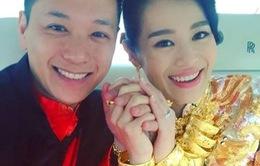 Hồ Hạnh Nhi rạng rỡ khoe của hồi môn trong ngày cưới