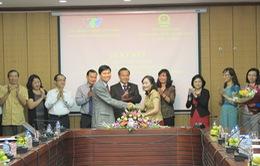 Tăng cường phối hợp thông tin về công tác đối với người Việt Nam ở nước ngoài