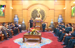Đồng chí Đinh Thế Huynh chúc Tết một số đơn vị lực lượng vũ trang