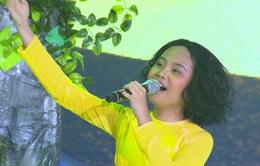 Phương Mỹ Chi khoe giọng cao vút khiến giám khảo ngỡ ngàng