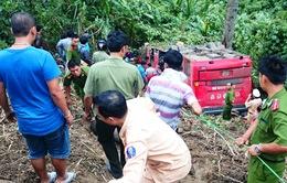 Vụ xe khách lao xuống vực sâu: Hơn 100 người tham gia cứu hộ
