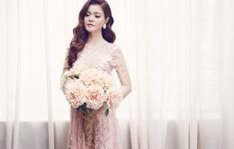 Á khôi Thời trang Việt Nam khoe vẻ đẹp dịu dàng với váy hoa