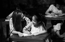 Đội Minh Hằng - Phan Hiển tung MV Đứa bé cảm xúc