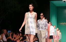 Dàn người mẫu Vietnam's Next Top Model tự tin sải bước trên sàn diễn