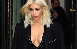 """Phản cảm với trang phục """"hở bạo"""" của Kim Kardashian"""