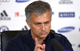 Nỗi ấm ức của Mourinho: Vô địch nhưng không một lần là 'HLV xuất sắc nhất tháng'
