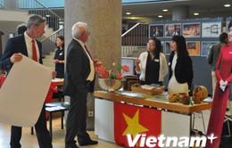 """Việt Nam quảng bá hình ảnh nhân """"Ngày Đại sứ quán"""" tại Đức"""