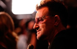 """Bono xin lỗi vì """"ép"""" người dùng tải album mới của U2 trên iTunes"""