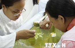Tranh thêu tay sẽ trở thành sản phẩm du lịch mới của Quảng Ninh