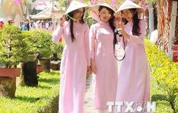 Tôn vinh các giá trị văn hóa truyền thống của tà áo dài Việt Nam