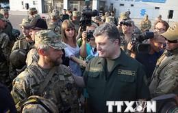 Tổng thống Ukraine Poroshenko tuyên bố sẽ giành lại Crimea