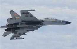 """Chiến đấu cơ Trung Quốc chặn đầu """"nguy hiểm"""" máy bay quân sự Mỹ"""