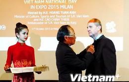 Trao tặng Kỷ niệm chương cho nguyên Đại sứ Italy tại Việt Nam