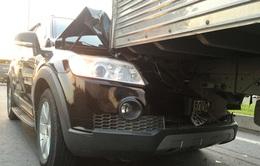 6 ô tô, xe tải tông nhau liên hoàn trên xa lộ