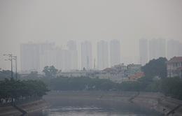 Sài Gòn se lạnh, mờ ảo trong sương mù giữa trưa