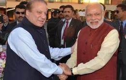 Thủ tướng Ấn Độ bất ngờ có chuyến thăm lịch sử tới Pakistan