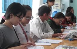 Nhiều thí sinh chọn trường ngoài công lập trong ngày xét tuyển cuối