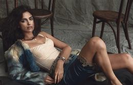 Tình cũ của CR7 hút hồn trên Harper's Bazaar