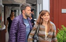Ben Affleck xuất hiện bên vợ sau tin đồn ly thân