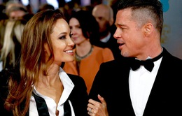 Angelina Jolie – Brad Pitt và tuần trăng mật đầy bão tố
