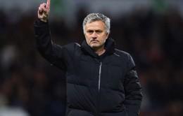 "Chelsea thua nhục, Mourinho ""đổ tại"" Man Utd, Arsenal"