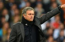 Thế lưỡng nan của Chelsea: Sa thải hay giữ lại Mourinho?