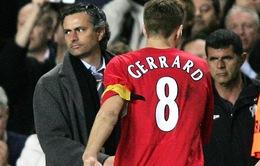 """Mourinho mong CĐV Chelsea không """"trêu"""" Gerrard"""