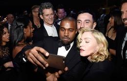"""Madonna: """"Kanye West là… mớ hỗn độn đẹp đẽ"""""""