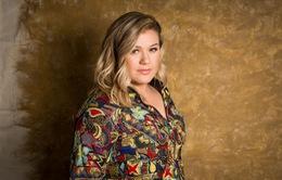 Kelly Clarkson không thích khoe khoang giải thưởng âm nhạc
