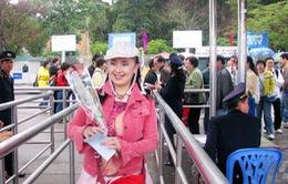 Hàng nghìn du khách thăm Vịnh Hạ Long ngày đầu năm mới