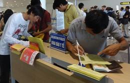 Thực hiện khai báo y tế đối với hành khách đến từ Hàn Quốc
