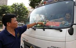 Chưa xử phạt xe vận tải hành khách không niêm yết khẩu hiệu