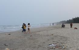 Quảng Ngãi: Đi tắm biển đầu năm, 3 học sinh chết đuối